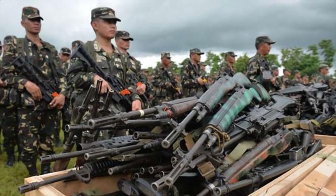 Binh sĩ Philippines thay vũ khí cũ bằng súng do Trung Quốc sản xuất. Ảnh: AFP