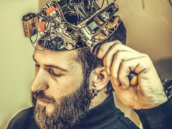 Mỹ và Liên Xô từng chạy đua phát triển vũ khí kiểm soát trí não con người. Ảnh: Reuters