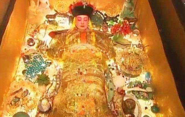 Tranh vẽ khai quật mộ Từ Hy. Nguồn ảnh: Internet
