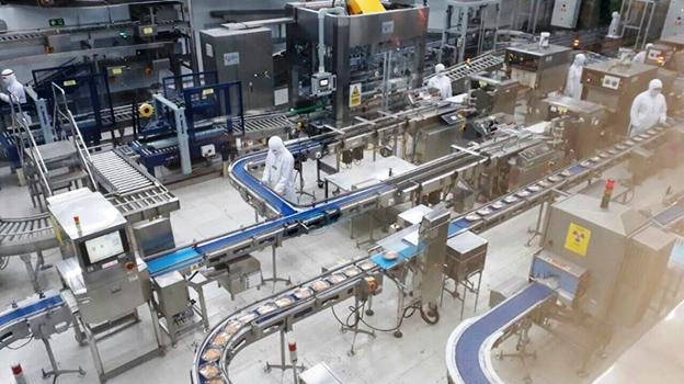 Nhà máy hiện đại tại Thái Lan sản xuất 200.000 sản phẩm mỗi ngày nhưng chỉ cần 10 công nhân.