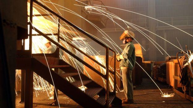 Số người làm việc trong ngành công nghiệp thép của Mỹ giảm gần 50.000 trong khoảng thời gian từ năm 2000 đến năm 2016. Ảnh: Getty Images