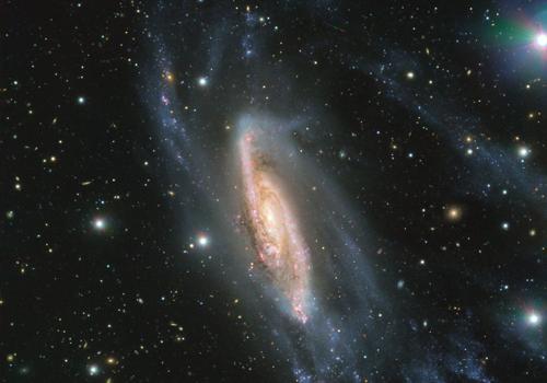 Kính viễn vọng chụp thiên hà NGC 3981 cách Trái Đất 65 triệu năm ánh sáng. Ảnh: ESO.