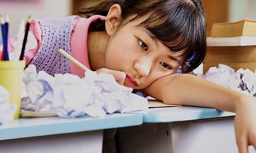 Nhiều học sinh Hàn Quốc kiệt sức vì học cả ngày lẫn đêm. Ảnh: Worlds of Education